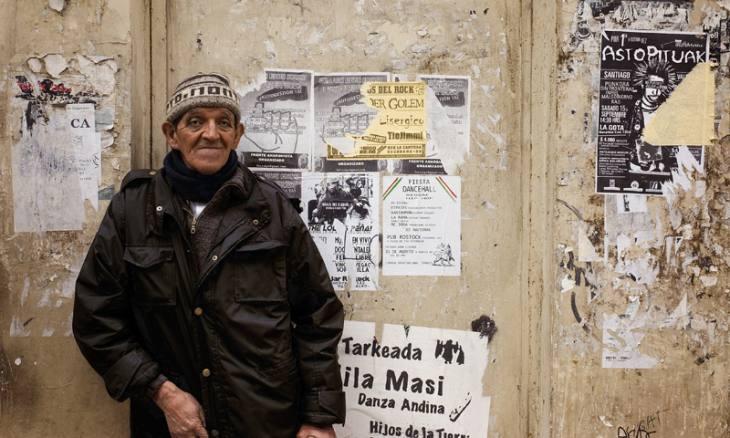 Man on street, Valparaiso, Chile, 2007.