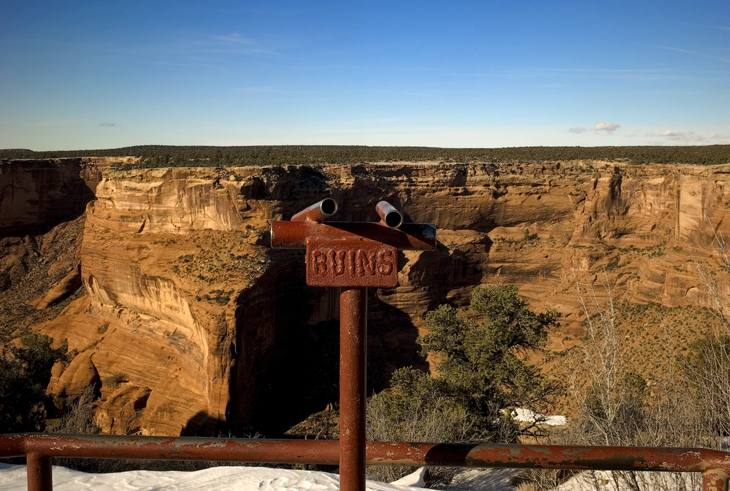 Sign pointing to ruins, Canyon de Chelly, 2007.