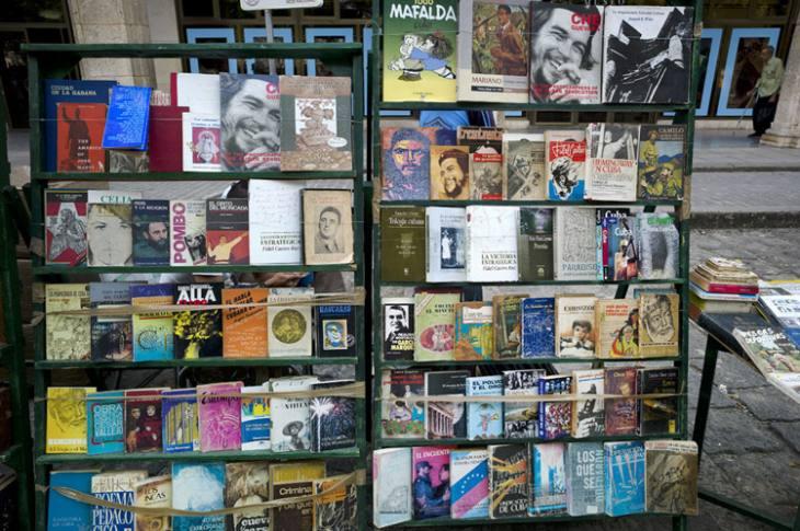 Books for sale, Habana Vieja.