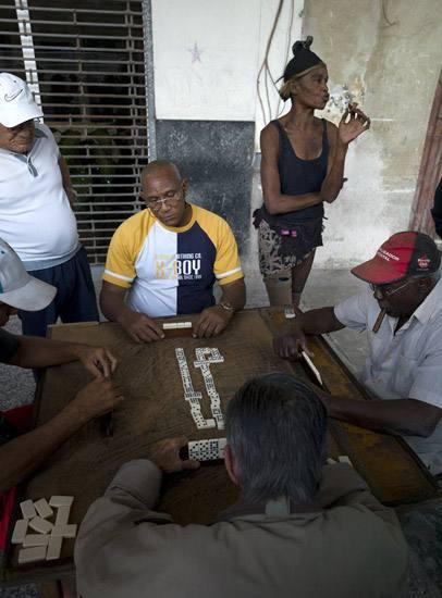 Domino game, Habana Vieja.