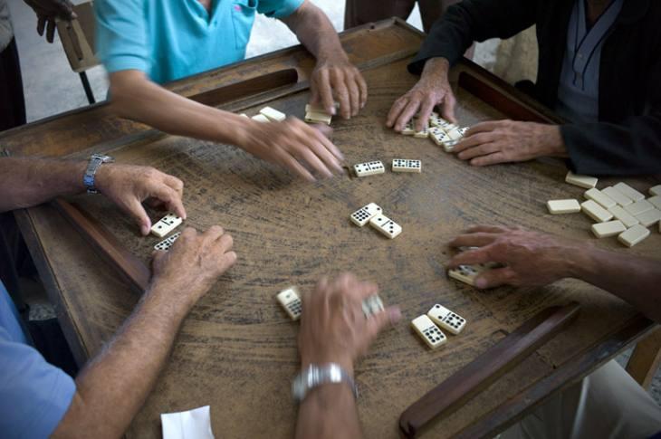 Dominoes, Habana Vieja.