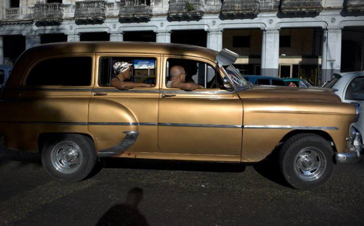 Old American taxi, Calle Agramonte, Havana.